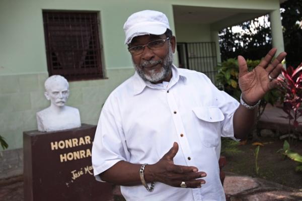 Lázaro Cuesta, actual presidente del patronato del asilo, asegura que el lugar pudiera acoger a 250 ancianos internos y otros 200 semi-internos.