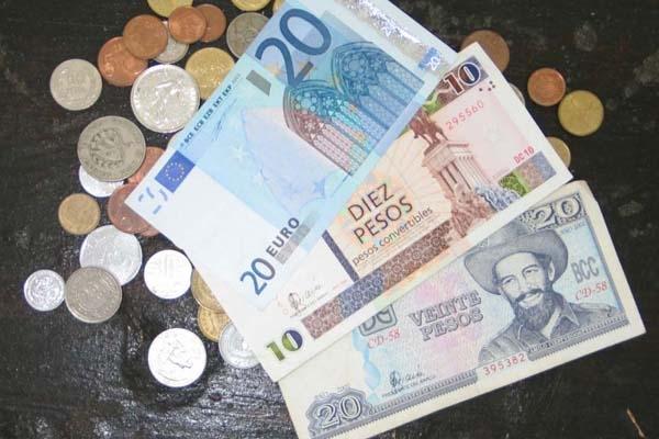 Las Casas de Cambio son instituciones financieras no bancarias surgidas como parte de las transformaciones de la década de 1990 en Cuba.