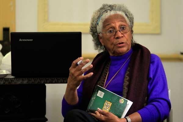 La escritora y activista Daisy Rubiera, fundadora y lideresa del grupo Afrocubanas, durante la tertulia Reyita, el 20 de febrero, que se celebra trimestralmente en La Habana y que en esta ocasión se dedicó a los estereotipos racistas de la familia.