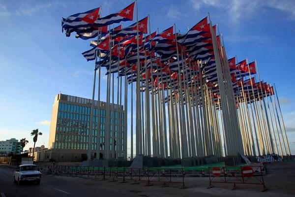 Las actuales sedes de las secciones de intereses en Washington y La Habana pudieran pasar a ser las embajadas.