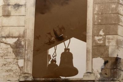 De campanas y de sangre