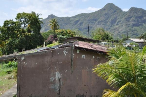 Una parte de la escuela primaria de Green Bay, en Dominica, dañada por el huracán Tomas en 2010. Crédito: Desmond Brown/IPS