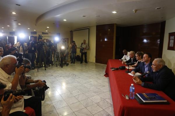 La delegación estadounidense ofreció una conferencia de prensa en el hotel Melia Habana.