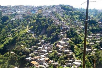 Una villa de emergencia en Guatemala. El PNUD calcula que más de 1,5 millones de personas en América Latina caerán en la pobreza para fines de 2015.