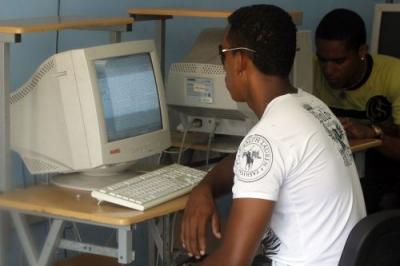 El acceso masivo a Internet puede traer alternativas de desarrollo económico para Cuba