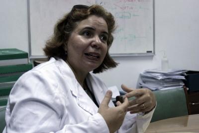 """""""Soy feliz cuando la gente sigue viviendo gracias a nuestros medicamentos"""", dice Adriana Carr."""