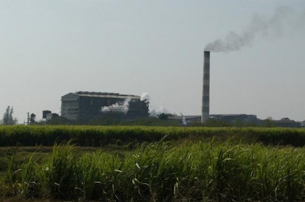 Vista del central azucarero 5 de Septiembre, en la provincia de Cienfuegos, en Cuba. En la recuperación de este ingenio participa una subsidiaria de la constructora brasileña Odebrecht y allí se instalará una planta bioeléctrica que usará el bagazo de la caña.