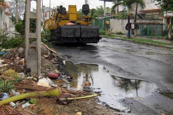 En la capital se forman pequeños vertederos de basura por la demora en la recolección