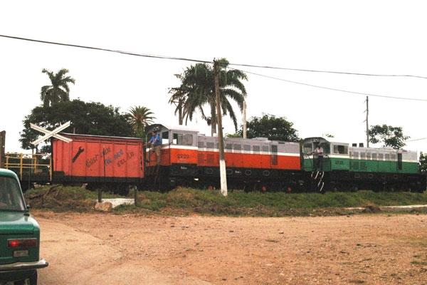 Las autoridades cubanas tratan de recuperar el transporte ferroviario.