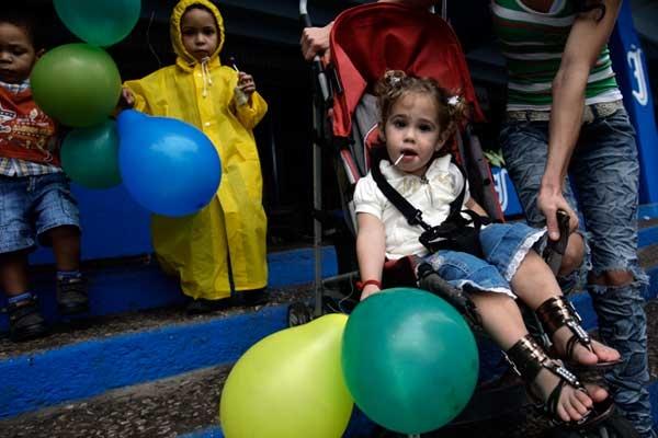 Realizar actividades comunitarias para fomentar la solidaridad entre la niñez sana y con dolor contribuye a la inclusión social