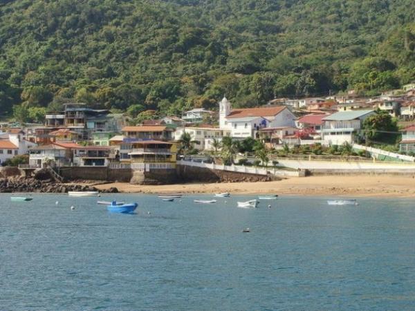El pueblo de Taboga visto desde el mar.