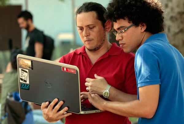 """El gobierno cubano habla en estos momentos de una estrategia para """"informatizar"""" la sociedad."""